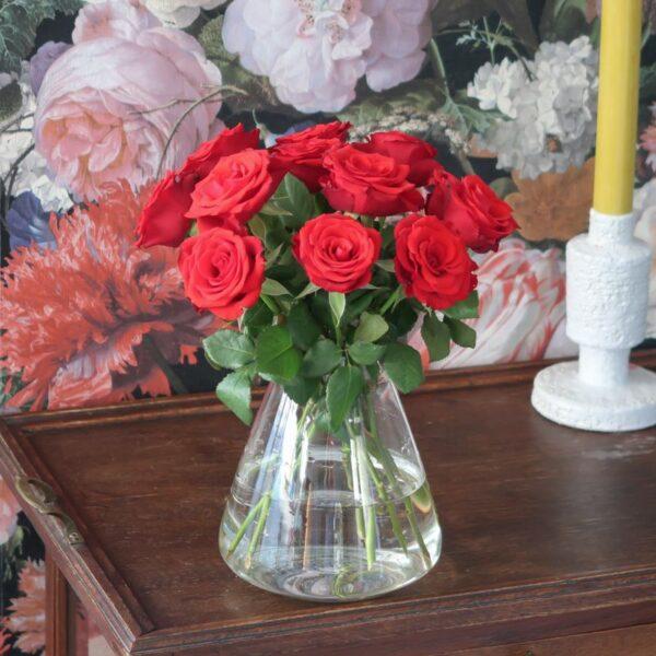 Rode Brievenbusrozen brievenbusbloemen